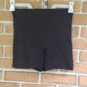 Control top shorts